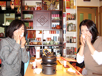 奥深い中国茶を楽しみながら